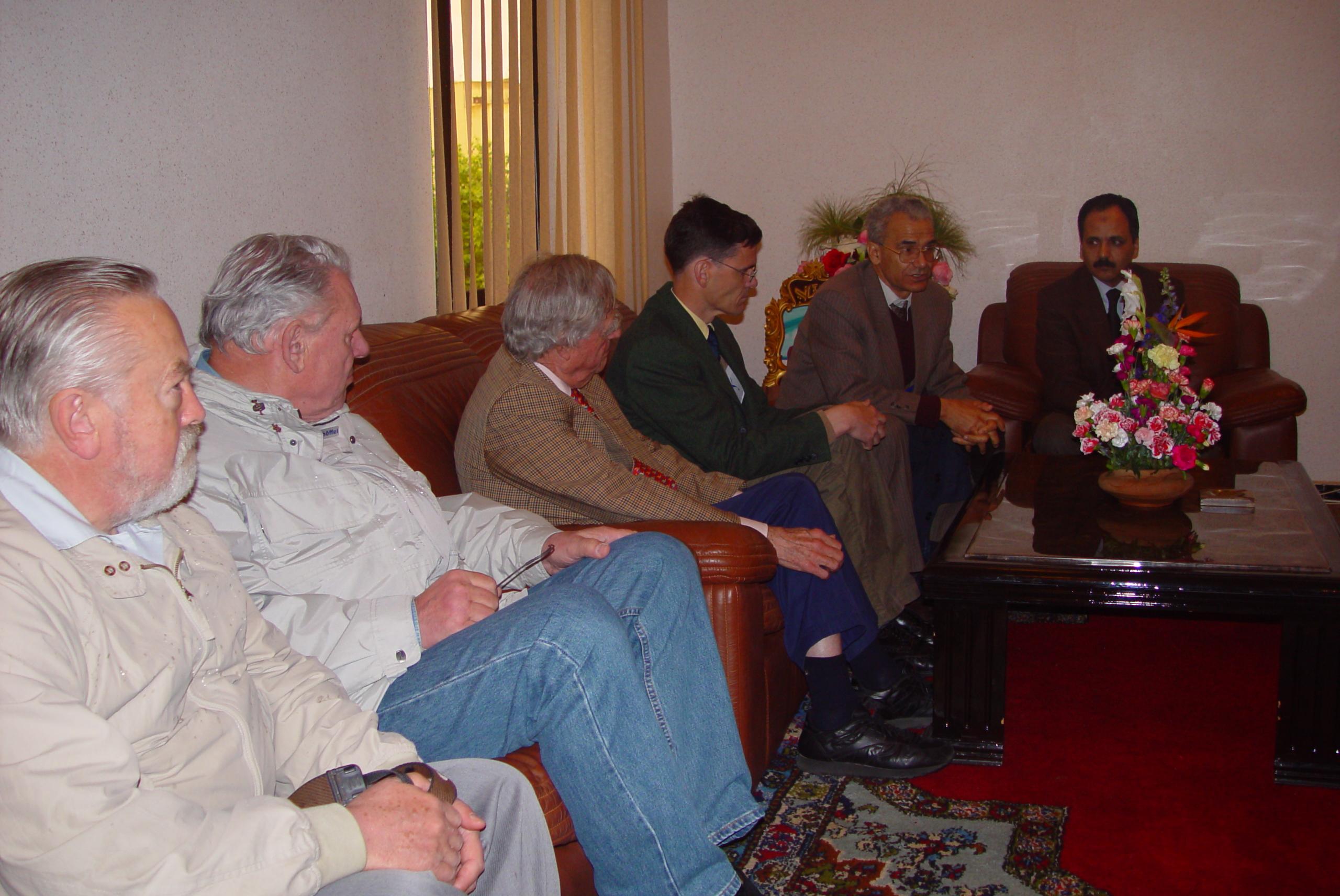 Feu Luc Hoffmann & le Prince de Liechtenstein reçus par le Gouverneur de Larache avril 2002